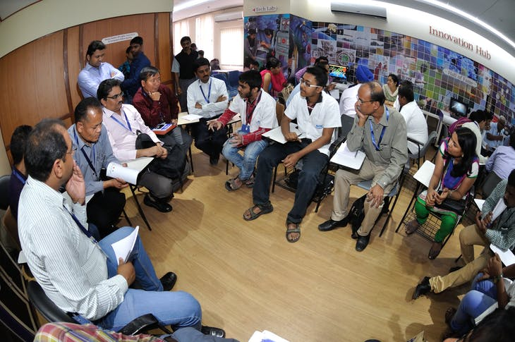interaction_with_school_students_and_science_professionals_-_idea_exchange_session_-_international_capacity_building_workshop_on_innovation_-_innovation_hub_-_bitm_-_kolkata_2015-03-28_5001