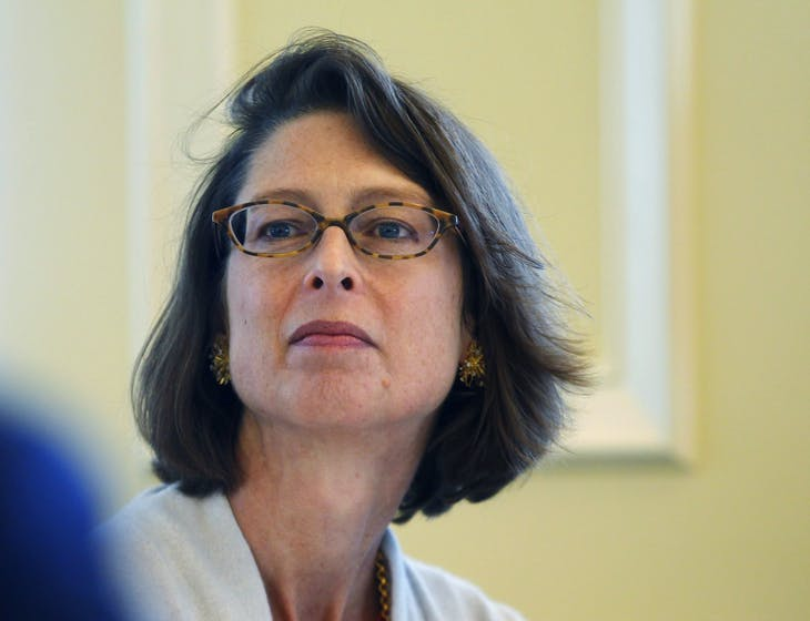 Abigail Johnson, President of Fidelity Personal, Workplace and Institutional Services, attends the Boston College Chief Executives' Club of Boston luncheon in Boston, Massachusetts November 29, 2011.     REUTERS/Brian Snyder   (UNITED STATES - Tags: BUSINESS) - GM1E7BU0E3601