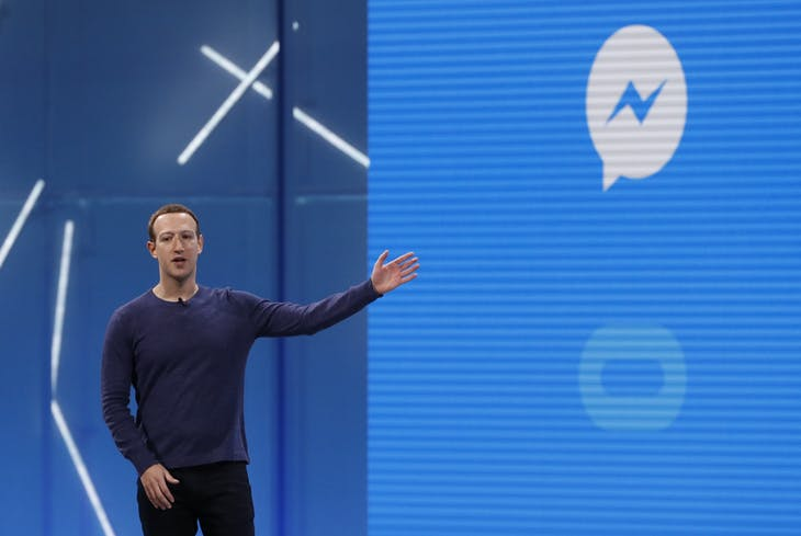 Facebook CEO Mark Zuckerberg speaks about Messenger at Facebook Inc's annual F8 developers conference in San Jose, California, U.S. May 1, 2018. REUTERS/Stephen Lam - HP1EE511DB7LD